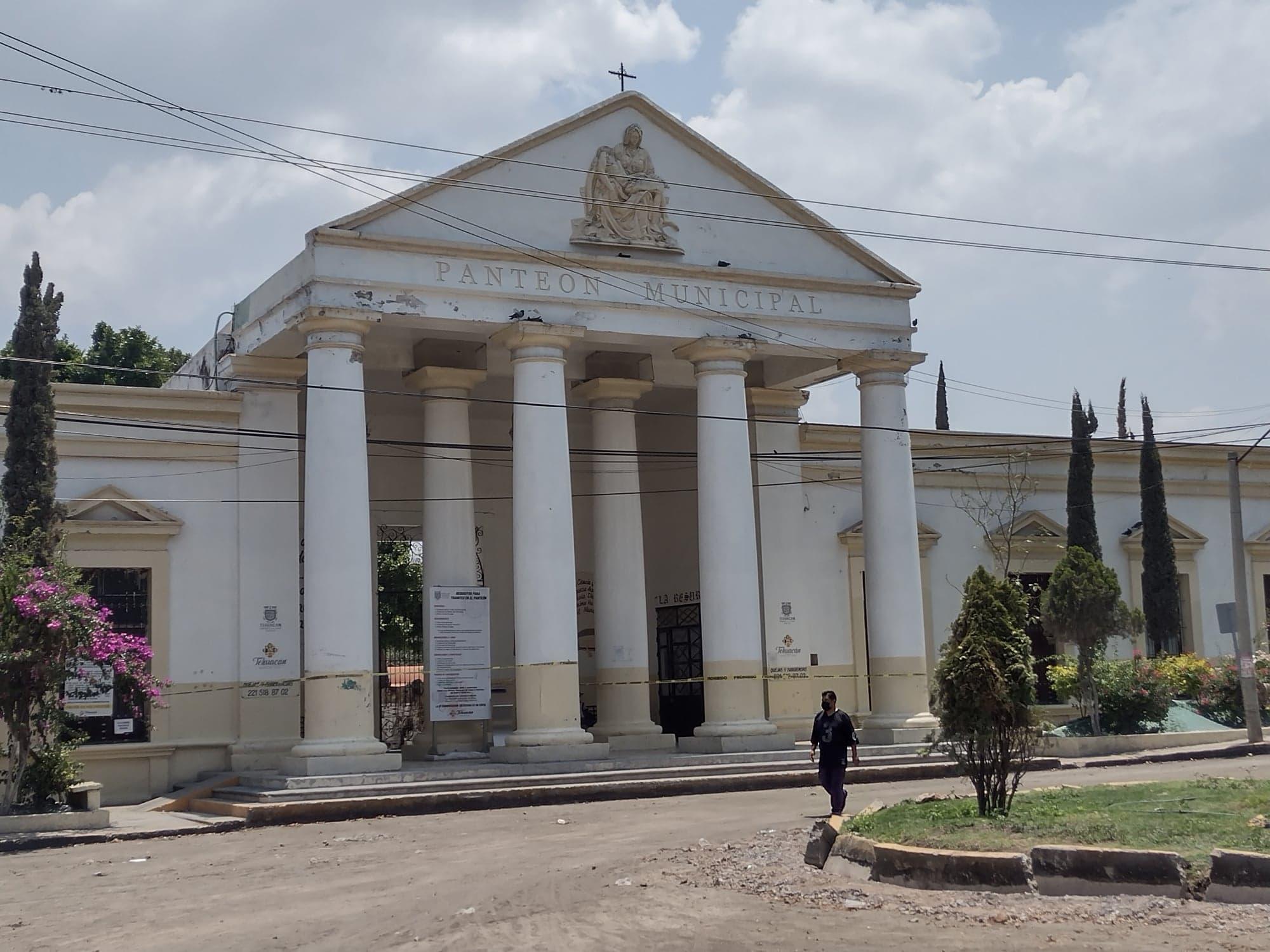 Permitirán aforo reducido en panteones por Día del Padre en Tehuacán