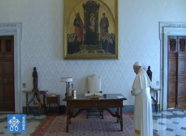 Misericordia para la humanidad pide el Papa al rezar el Padrenuestro