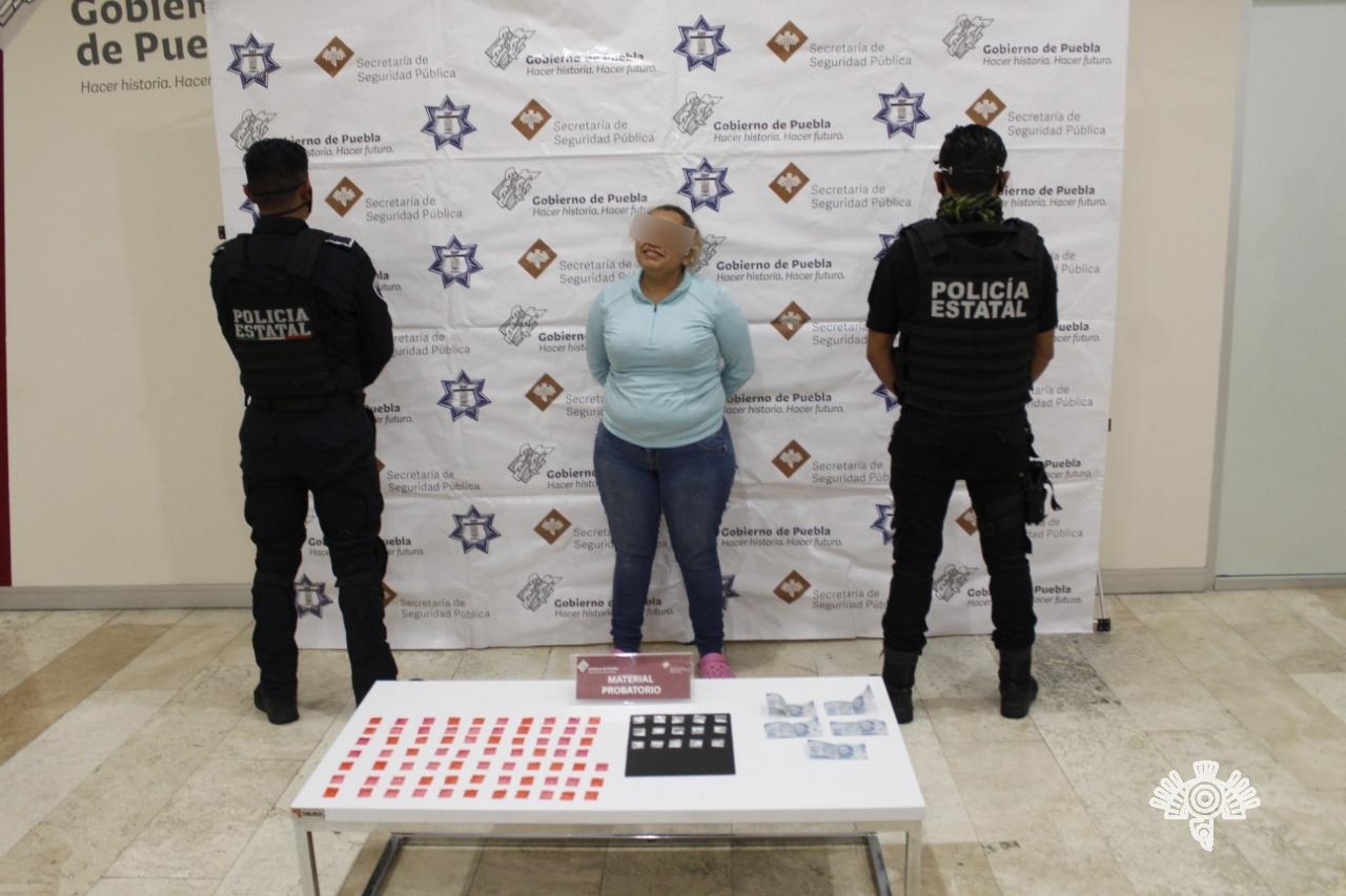 Detienen a cuñada de El Grillo; distribuía droga en el mercado Morelos