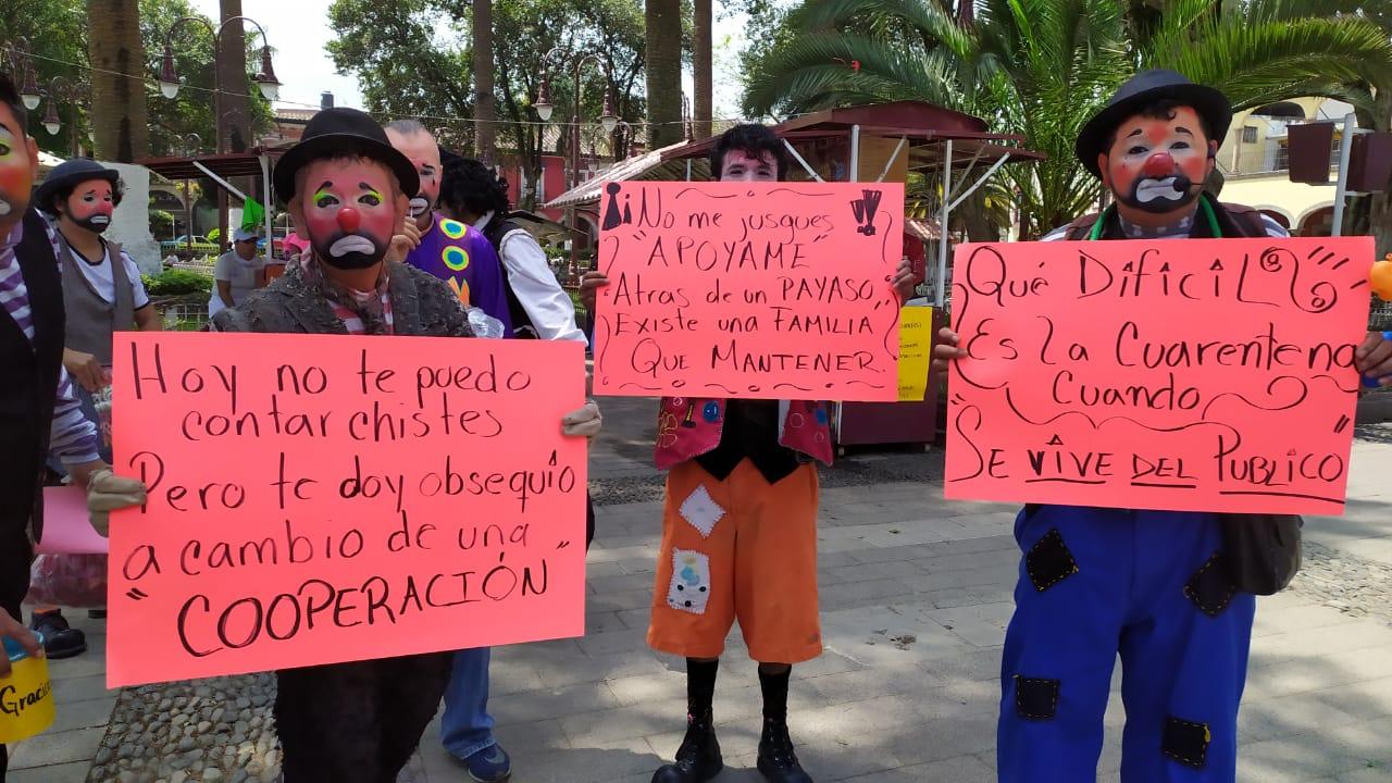 Payasitos se manifiestan en Huauchinango, piden los dejen trabajar