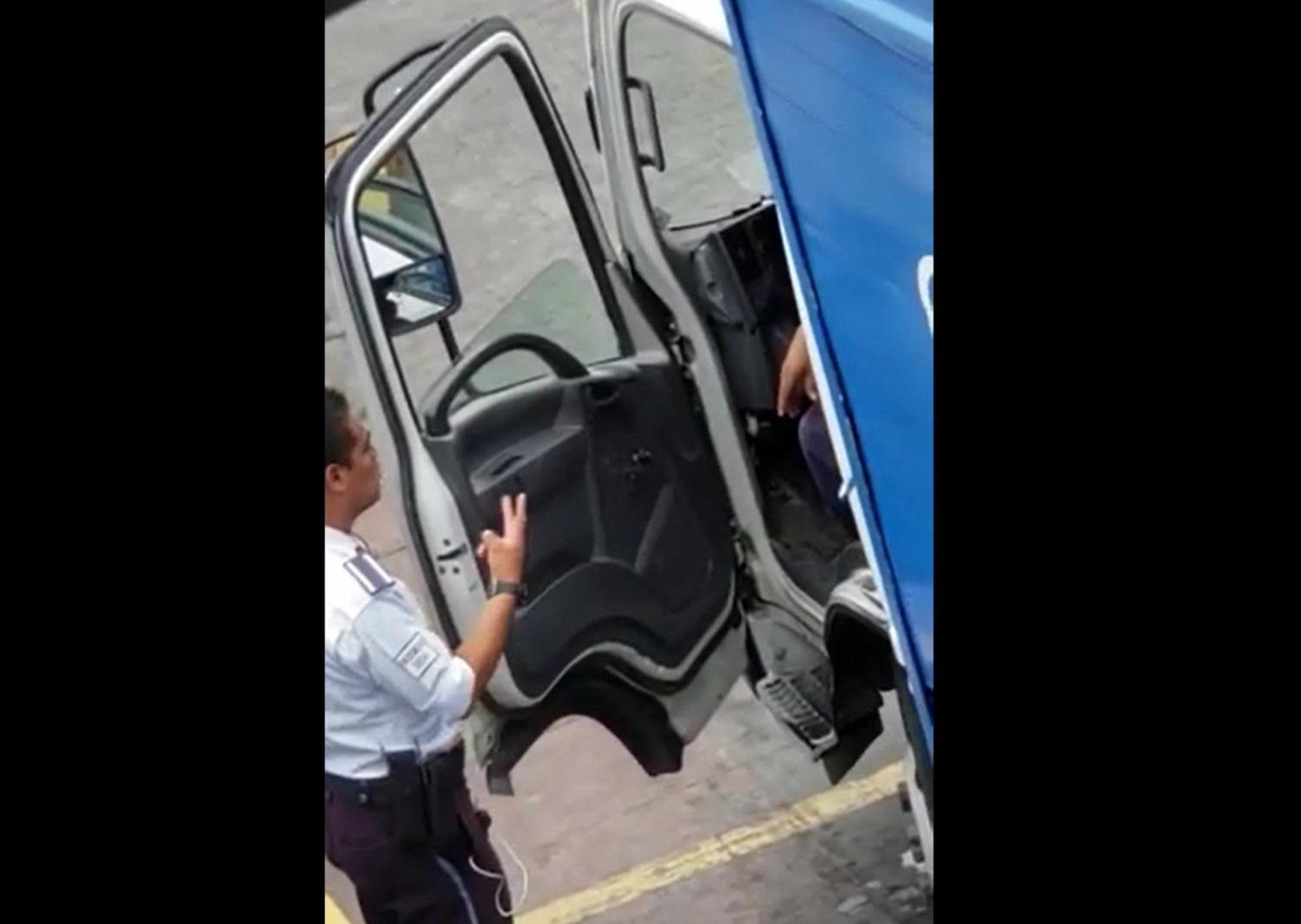 Exagente despedido por pedir mordida exige finiquito en Huauchinango