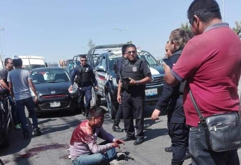 Chóferes de colectivos tunden a ladrón de celulares en Plaza Ventura
