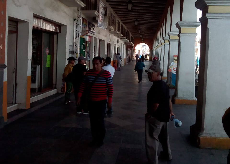 Con apoyo de SEDENA desalojan a comerciantes de portales de Acatzingo