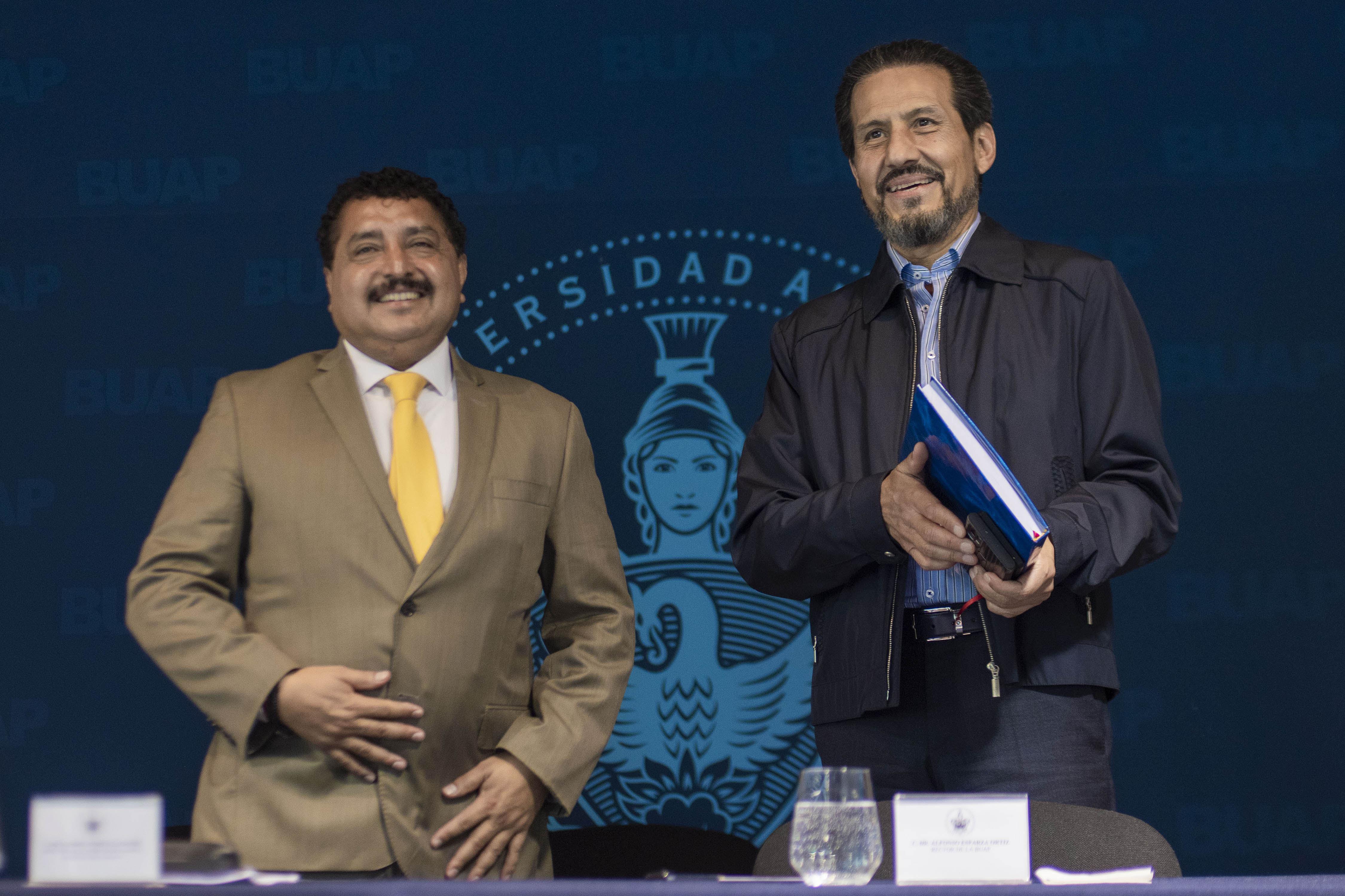 Reconoce el rector Esparza calidad académica del Complejo Regional Mixteca