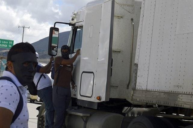 Agreden a policías que intentaron liberar a ladrón en Tecamachalco