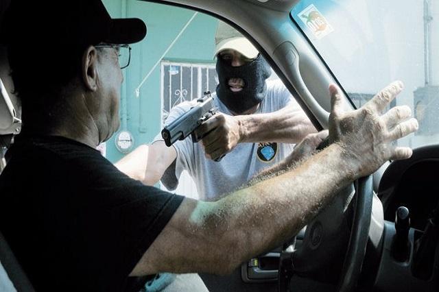 Con violencia roban vehículos en Huejotzingo; 12, en el último mes