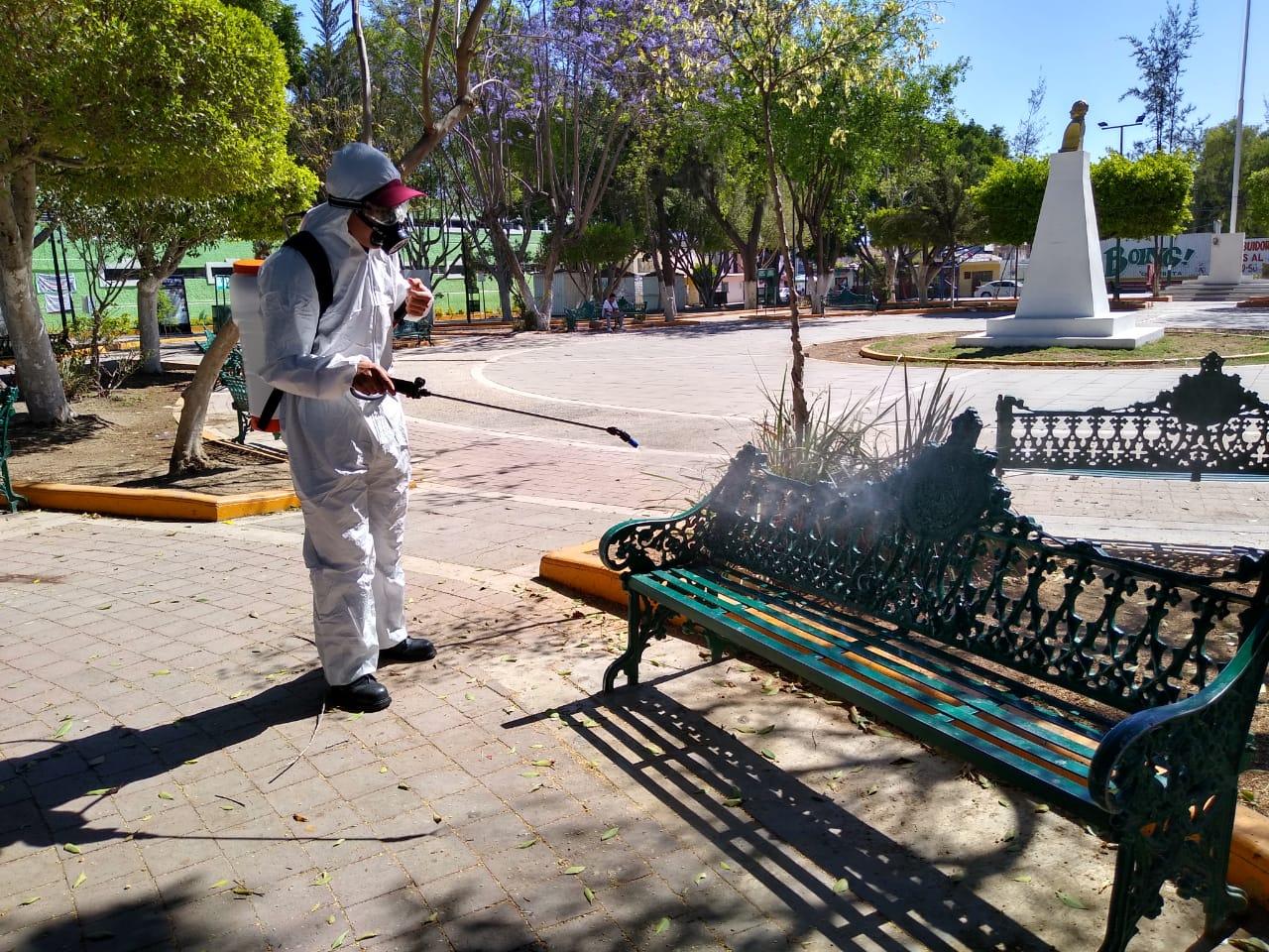 Realizan sanitización en parques y edificios públicos de Tehuacán