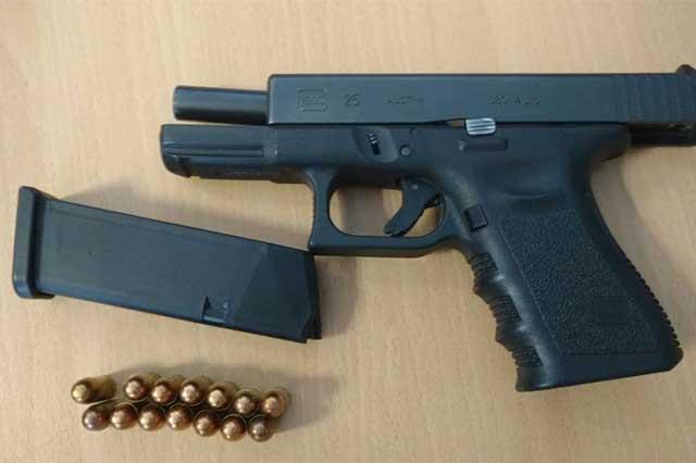 Detienen en puebla a guardia privado en posesi n de arma for Interior y policia consulta de arma