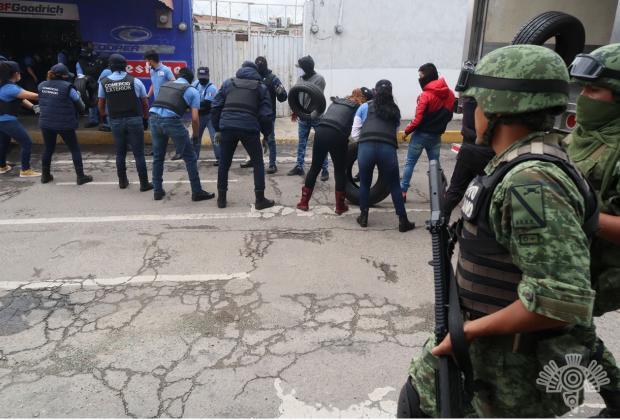 Autoridades y policías municipales han solapado delincuentes en la 46: Barbosa
