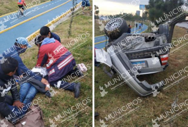 Fallece joven prensado tras volcar su auto en el Periférico