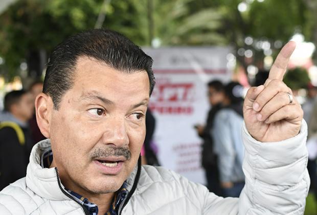 Arriaga, el alcalde que gana solo 2 mil 500 pesos menos que AMLO