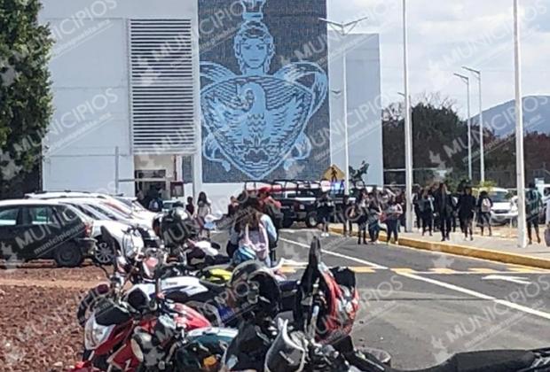 Fallece estudiante en estacionamiento de prepa BUAP en Atlixco