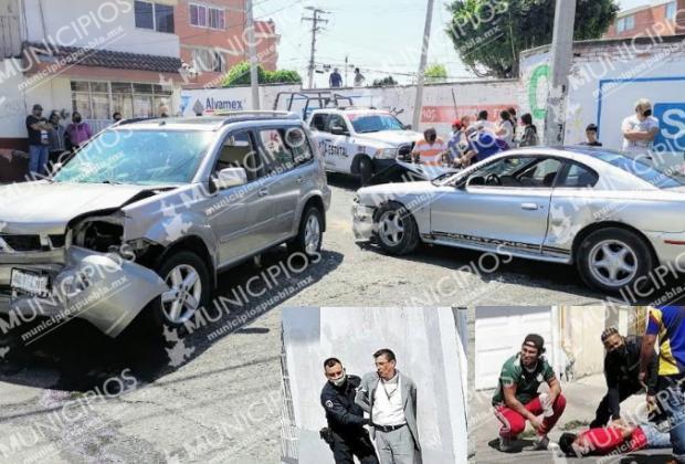Persecución entre policías y ladrones termina en carambola en Puebla
