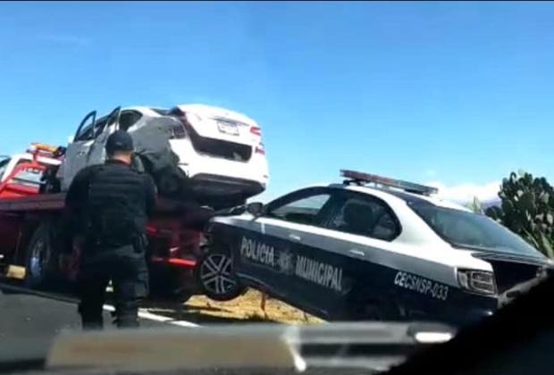 Fuerte choque entre patrulla y camioneta deja 3 lesionados en Oriental