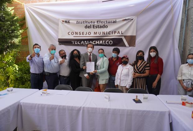 Recibe constancia de mayoría Ignacio Mier como edil electo de Tecamachalco
