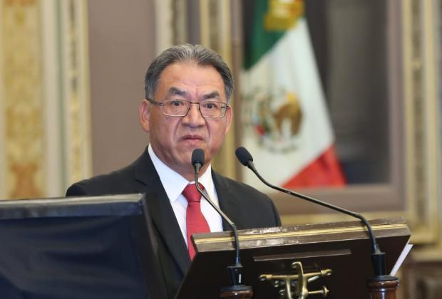 Quitarán a 31 escuelas registros entregados por Moreno Valle y Gali