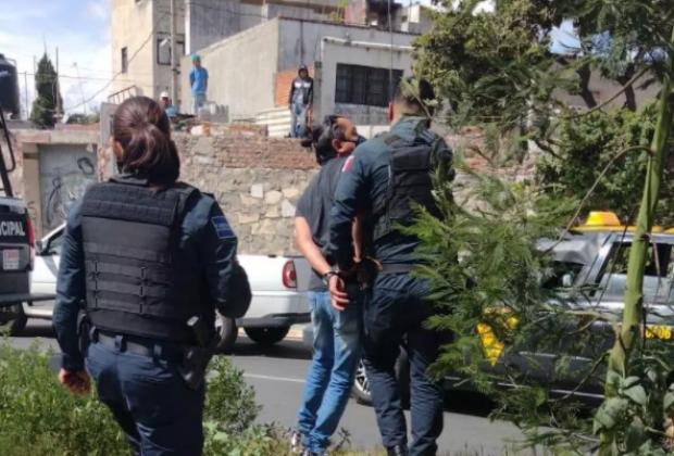 Persecución en bulevar Xonaca por robo de ambulancia en el Humboldt