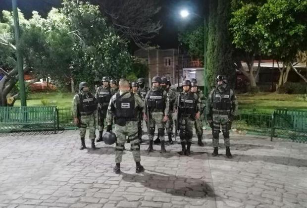 Cuerpos de Seguridad impiden instalación de tianguis en Atlixco; ambulantes los torean