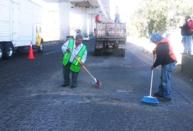 Bacheo genera caos vial en la México-Puebla, tramo CAPU-VW