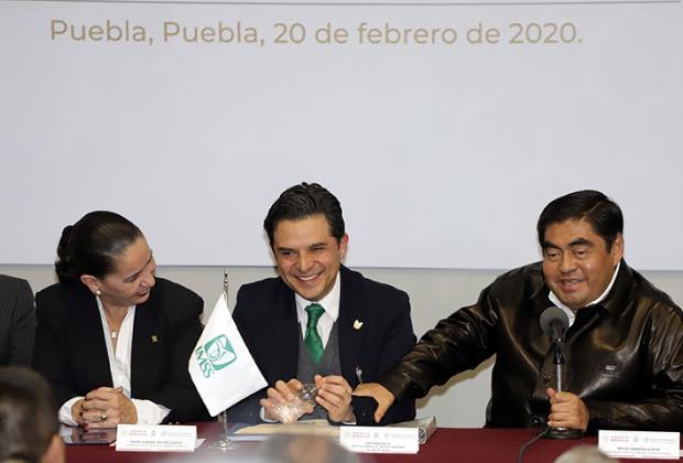 Inauguran Barbosa y Robledo 60 camas en IMSS de La Margarita