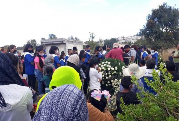 Entierran a Susana y Claudia Cecilia, asesinadas en Puebla