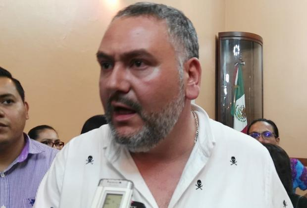 En plena crisis regidor de Tehuacán viaja a Texas a reunión de ediles