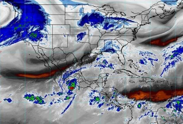 El huracán Rick se enfila hacia costas de Guerrero y Michoacán