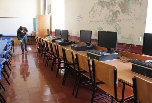 Maestra se infecta de covid y da clases en kínder de Huaquechula