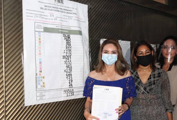 Recibe Paola Angón constancia de mayoría como edil de San Pedro Cholula