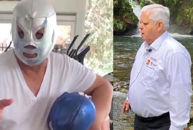 Con máscara de El Santo, Carlos Peredo busca reelección en Teziutlán