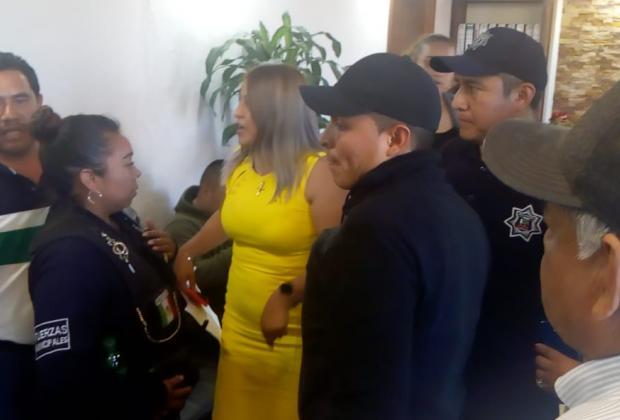 Edil de Tlahuapan amenaza a regidores; lo acusan de no comprobar 20 mdp
