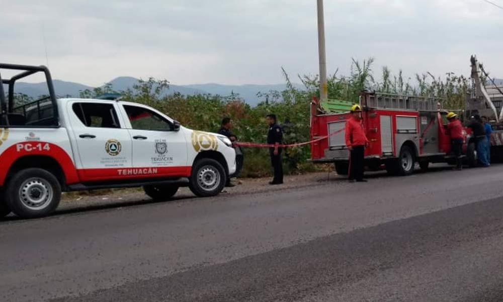 Un taquero muerto y tres más heridos en volcadura en Tehucán