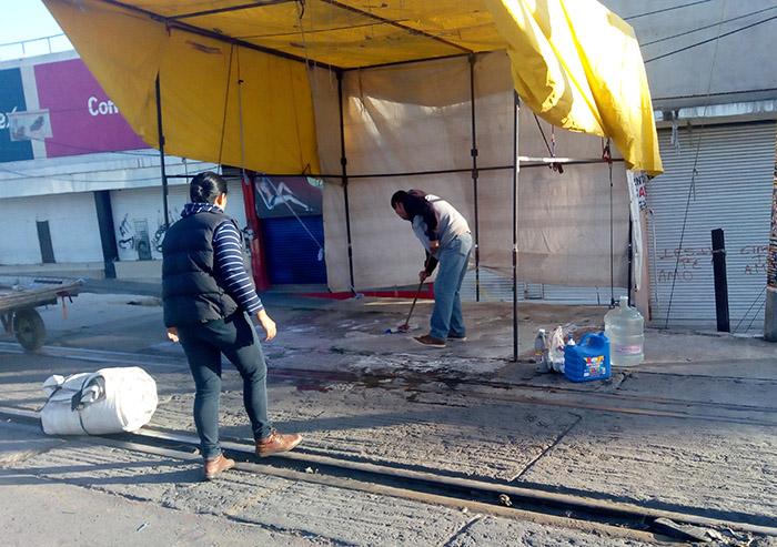 Tianguistas de Texmelucan realizan jornada de limpieza