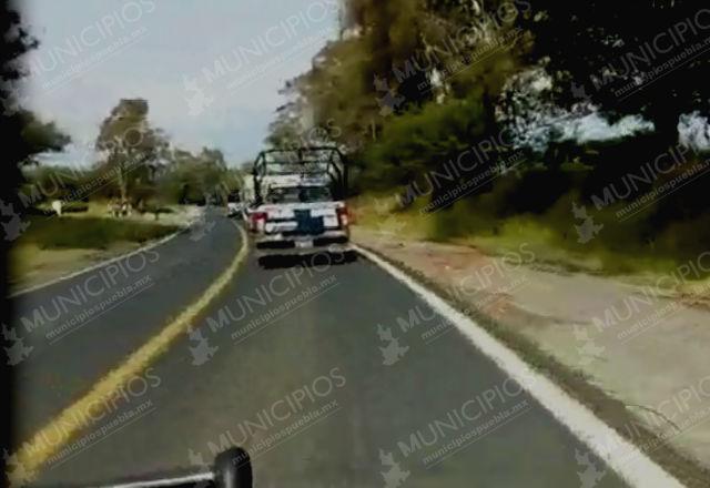 VIDEO: Patrullas de Tlahuapan cuidan camioneta con huachicol