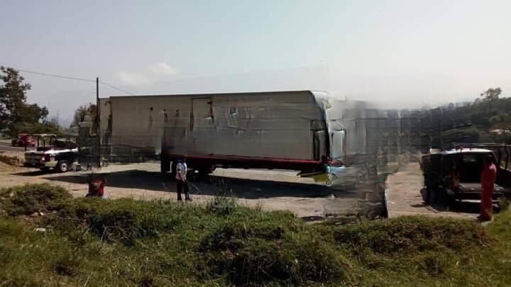 Encuentran en Xiutetelco tracto camión robado