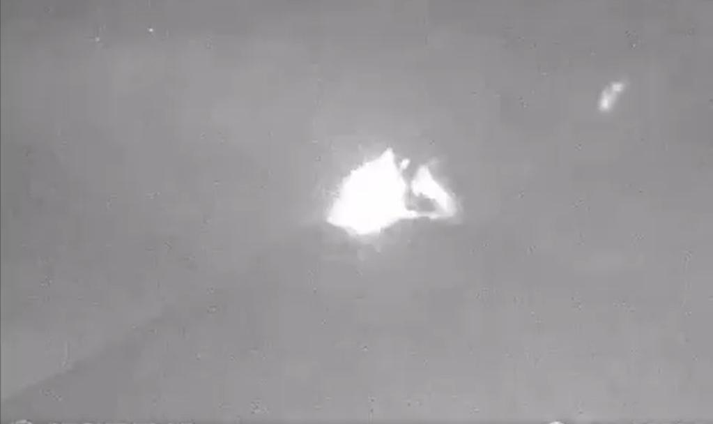 VIDEO Registra volcán Popocatépetl explosión esta noche