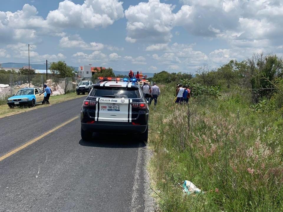 Ebrio impacta a familia en moto y mata a niño de diez años en Tecali