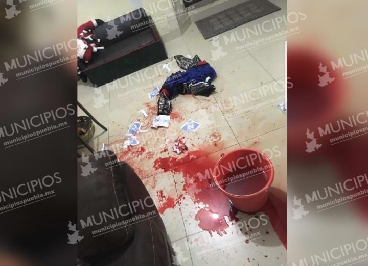 VIDEO Balean a regidora de Huixcolotla, grupo armado rafagueó su casa