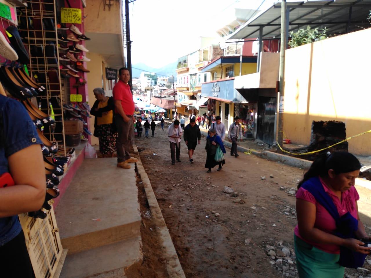 Comerciantes de Huauchinango afectados por retraso en obras