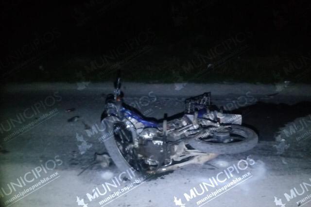 Muere motociclista al chocar con camioneta en Xicotepec