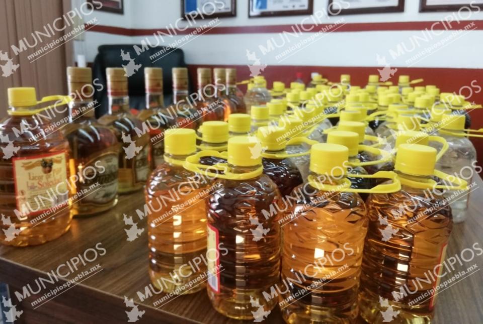 Decomisan alcohol adulterado durante operativos en Tecamachalco