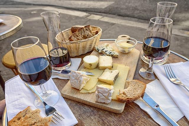 Come, bebe y diviértete en la feria del queso y el vino en Puebla