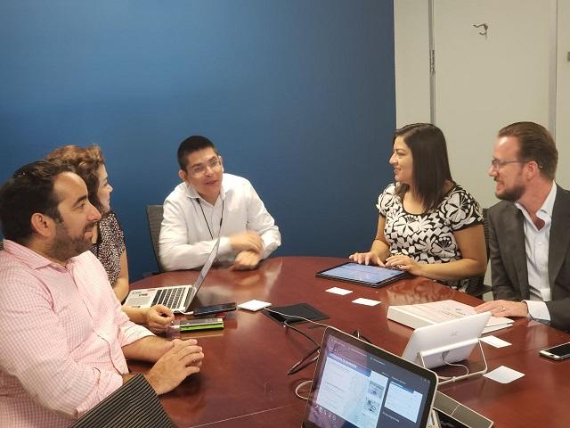 Banck y Rivera comparten proyectos con expertos del BM