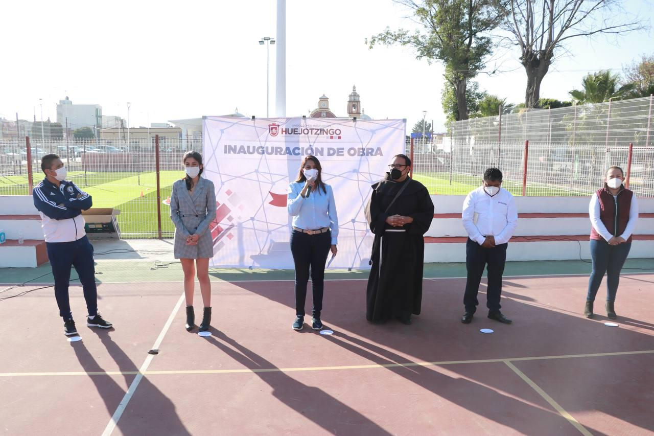 Con 2 mdp rehabilitan y entregan Complejo Deportivo de Huejotzingo