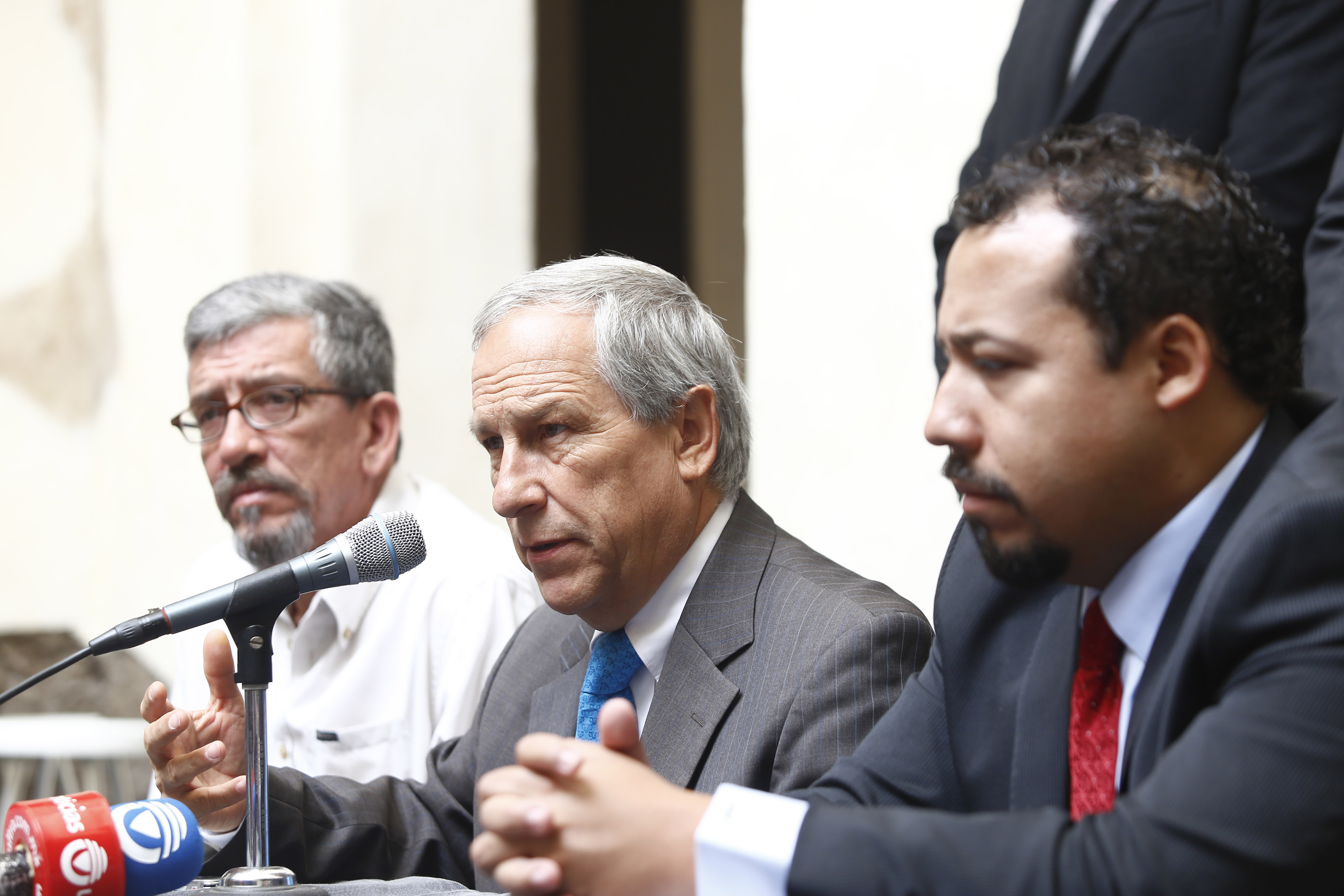 Recibe Cárdenas respaldo de exalumnos de la UDLAP