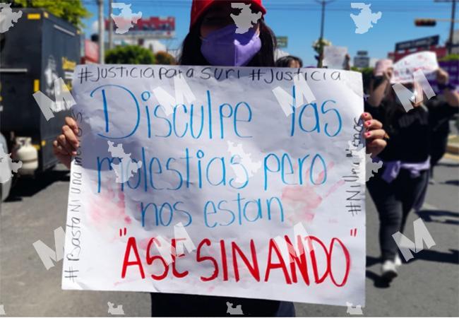 Jóvenes de Tehuacán marchan a Casa de Justicia para exigir justicia tras feminicidio de Suri