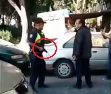 VIDEO Policía dispara en riña con comerciante del Centro Histórico