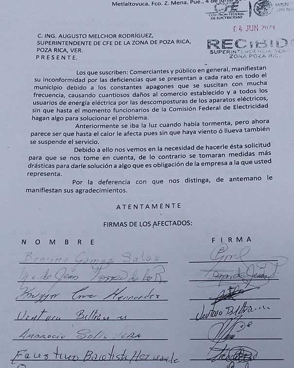 Reclaman a CFE abandono de 4 años a red eléctrica en Francisco Z Mena