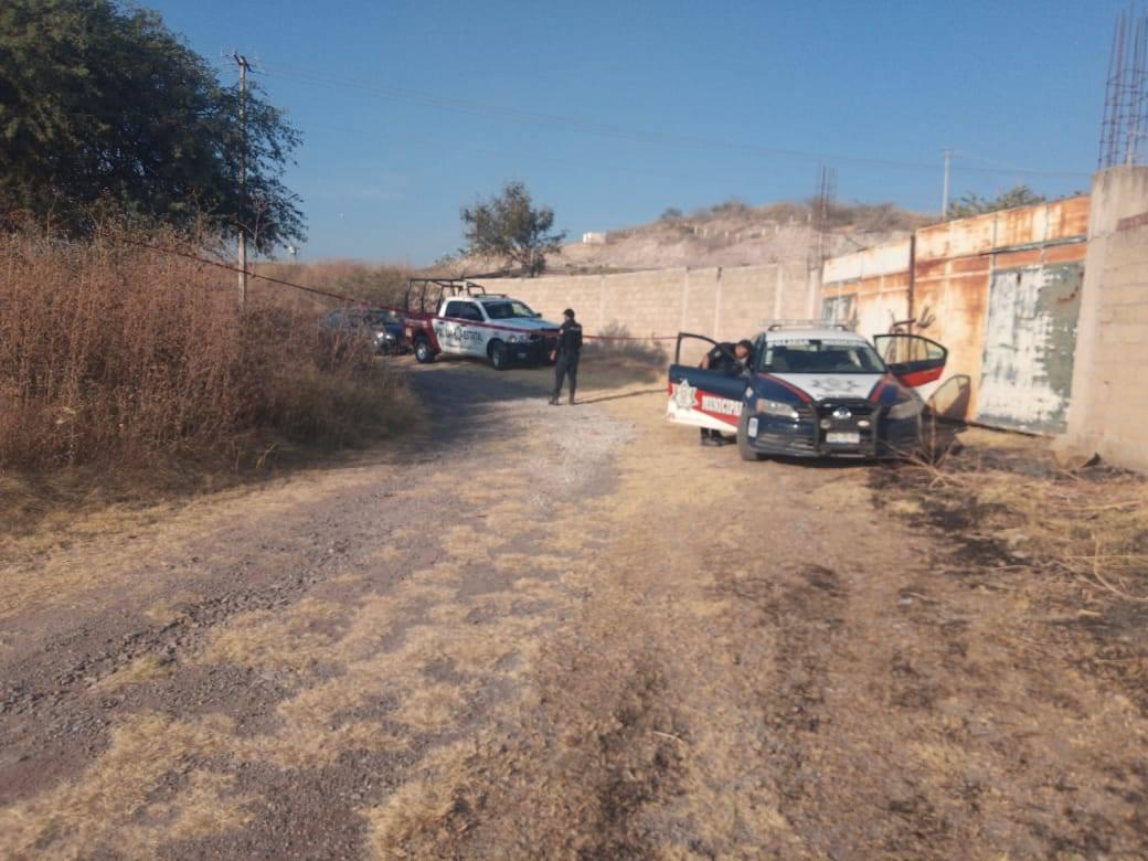 Arrojan cuerpo sin vida en camino a Tlapanalá
