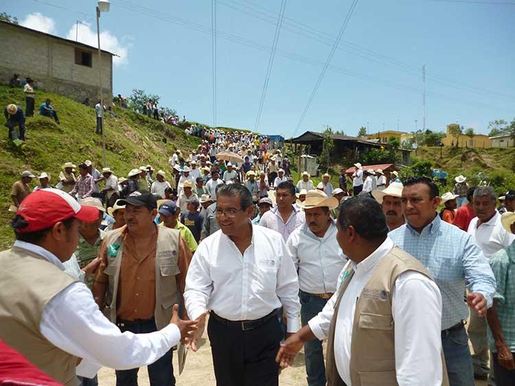 Entrega Sagarpa recursos por 6.8 mdp en apoyos al campo poblano